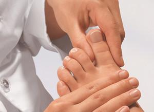 Как вылечить грибок на ногах на пальцах